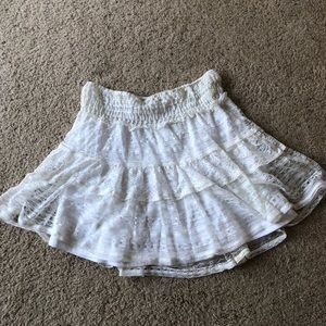 Dresses & Skirts - Lacy creme colored skirt